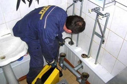 Устранить засор канализации в ванной